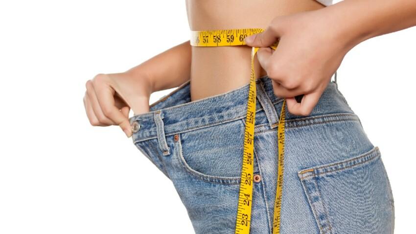 L'astuce géniale et stylée pour rétrécir un jean au niveau de la taille