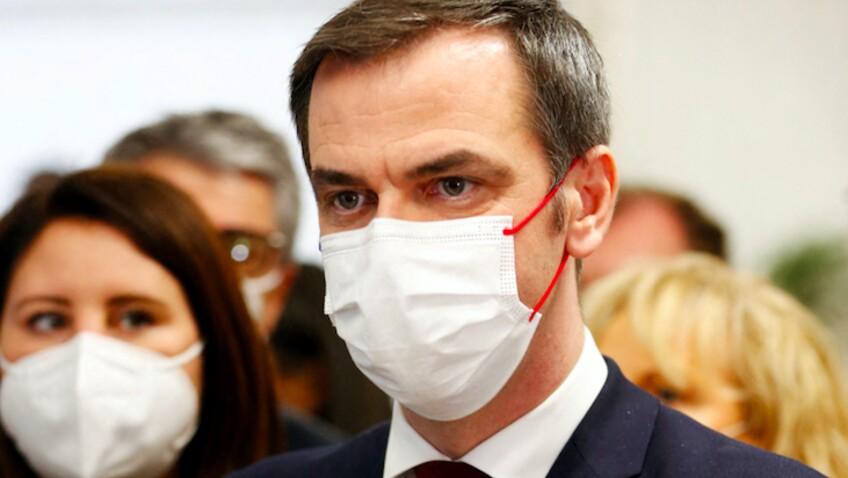 """Olivier Véran : """"Coca Zéro"""", """"micro-siestes""""... le ministre dévoile ses petits secrets pour tenir le coup"""