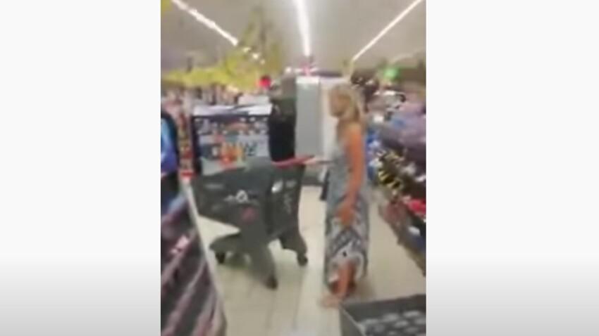 VIDEO - Cette femme se sert de sa petite culotte en guise de masque dans un supermarché