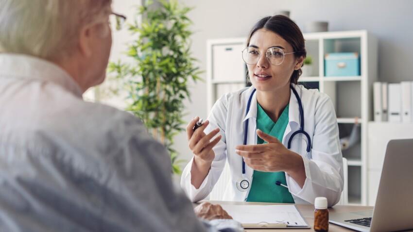 Examens médicaux : la liste des dépistages indispensables au cours d'une vie selon Michel Cymes