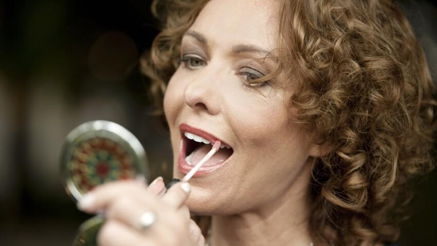 Maquillage : 7 erreurs qui donnent l'air fatigué après 50 ans