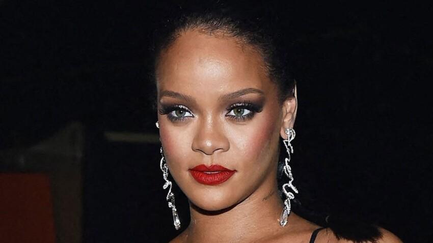 Rihanna sexy : fessier bombé en string et soutien-gorge triangle - PHOTOS