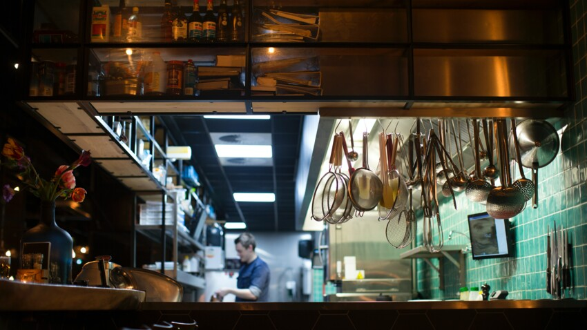 """Qu'est que les """"dark kitchen"""", ces cuisines sans restaurants ?"""