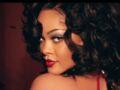 Rihanna sexy : quand elle mixe lingerie fine, kimono en transparence et talons vertigineux...