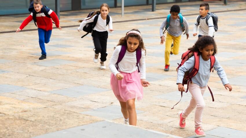 Enfants : Michel Cymes alerte sur un nouveau jeu dangereux pratiqué dans les cours de récréation