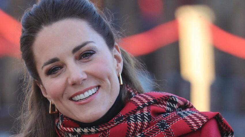 Kate Middleton tendance : elle ose un look très Barbie girl !