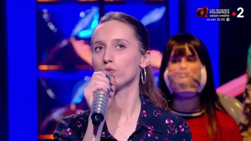 """Agathe (""""N'oubliez pas les paroles"""") : sa méthode imparable pour retenir les chansons, Nagui en coulisses, sa famille... la maestro dit tout ! - EXCLU"""