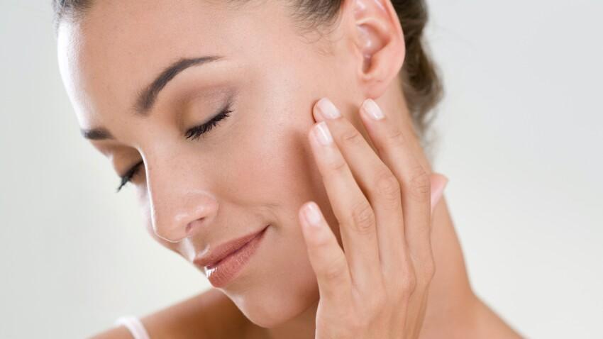 Moisture sandwich : connaissez-vous cette astuce pour une peau hydratée et plus jeune ?