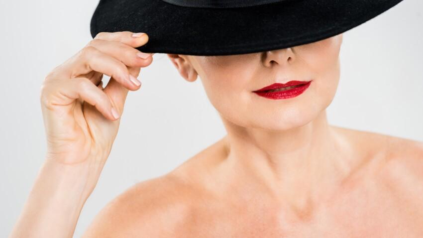 Rouge à lèvres rouge : les bons et les mauvais réflexes après 50 ans