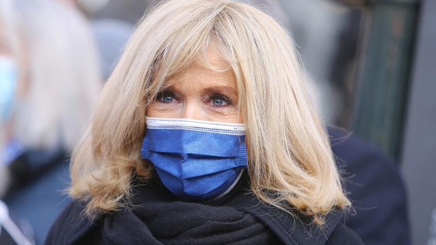 Brigitte Macron en slim, talons carrés et veste courte : la photo qui bluffe tout le monde !