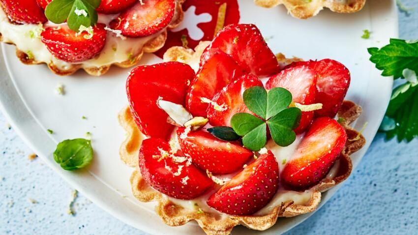 Tartelettes aux fraises charlottes et crème pâtissière au basilic et citron vert