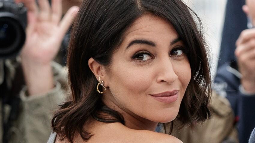 Leïla Bekhti trop belle : elle porte le jean destroy comme personne (wow) !