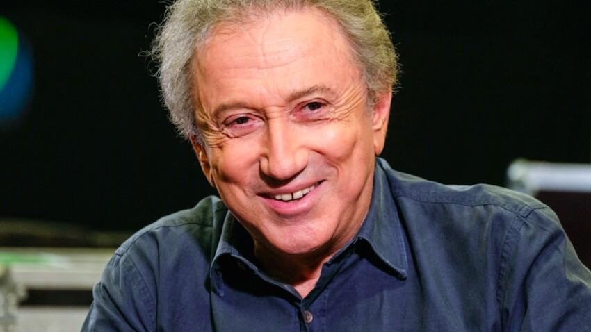 """Michel Drucker de retour : sa première photo sur le plateau de """"Vivement Dimanche"""" dévoilée"""
