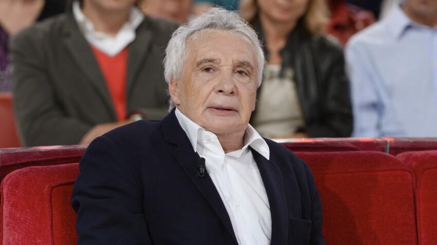 """Michel Sardou : testé après avoir vu Roselyne Bachelot, le chanteur est """"très inquiet"""" pour son amie"""