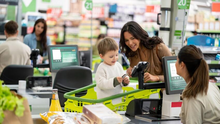 En Grande-Bretagne, la vente de friandises est interdite aux caisses des supermarchés, et chez nous?