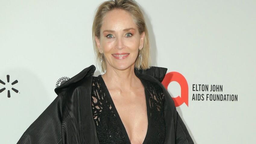 Sharon Stone sous le choc : ce chirurgien qui a augmenté la taille de sa poitrine à son insu