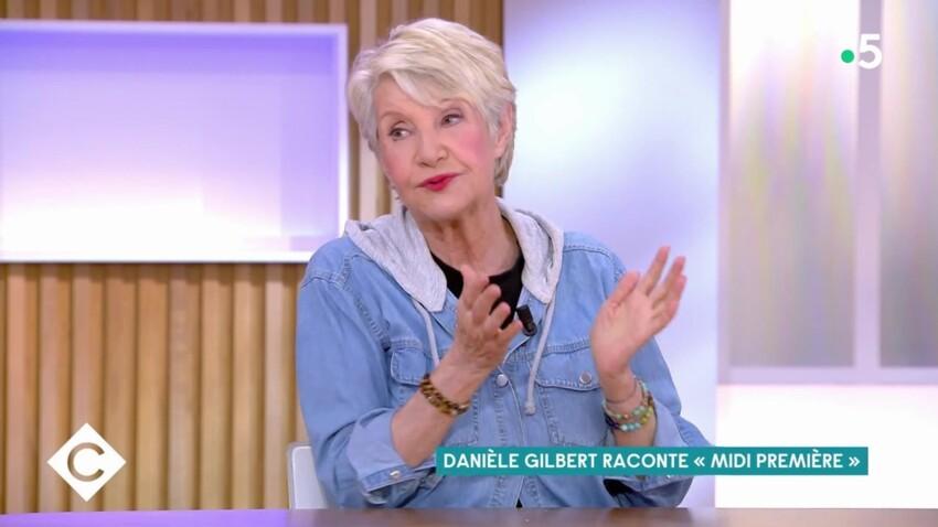 """Danièle Gilbert se souvient des visites de Coluche """"en pyjama"""" dans son émission"""