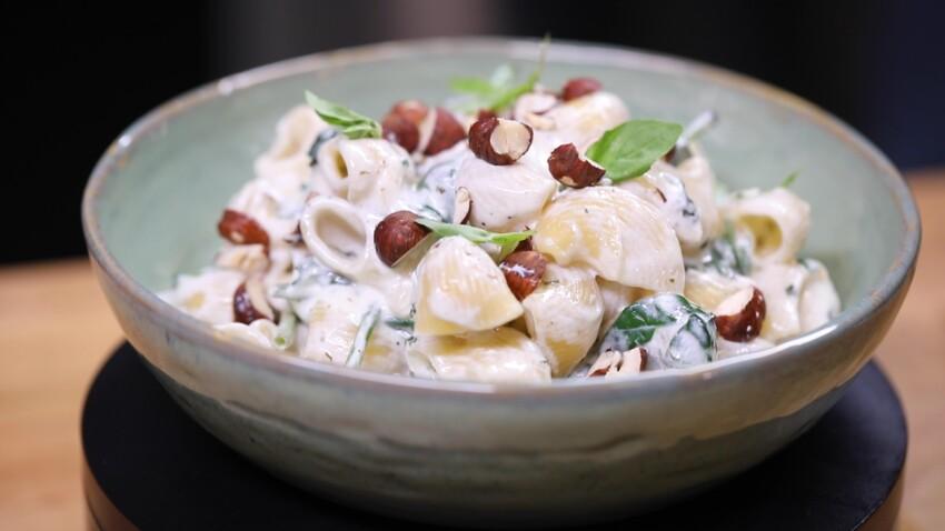 Baked feta pasta : la recette express (et de saison) des pâtes à la ricotta et aux épinards