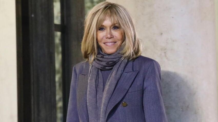 Brigitte Macron porte cette couleur parfaite comme personne