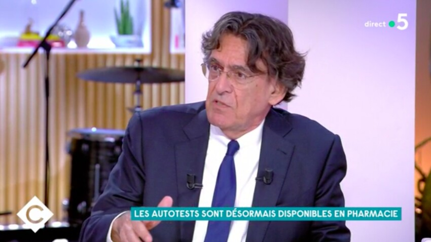"""VIDEO - """"Mes filles n'en ont rien à foutredu couvre-feu"""" : les propos cash de Luc Ferry sur le confinement"""
