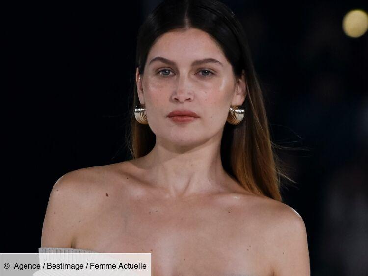 Laetitia Casta nue et sexy : ses formes dévoilées sous une robe totalement transparente
