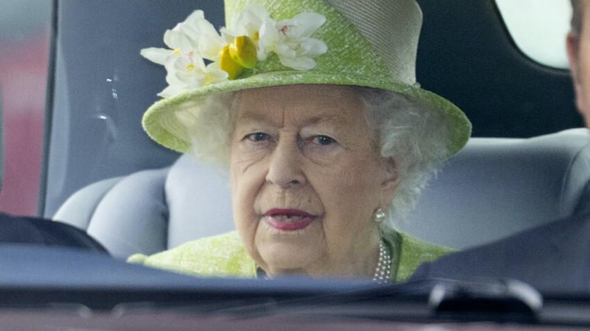 Mort du prince Philip : la reine Elizabeth II, désormais veuve, a déjà repris le travail