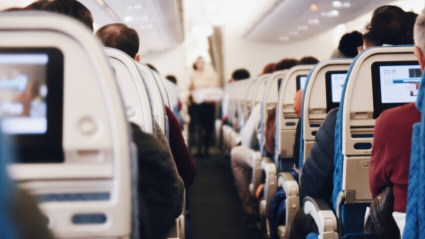 Covid-19 : comment réduire les risques de contamination en avion ? Une étude répond
