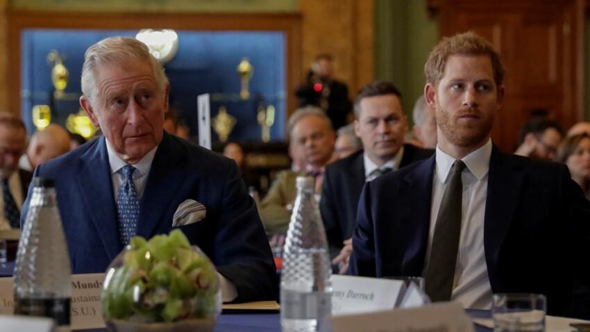 """Le prince Charles """"profondément blessé"""" par son fils : cette lettre de Harry qui tente de réparer les liens"""