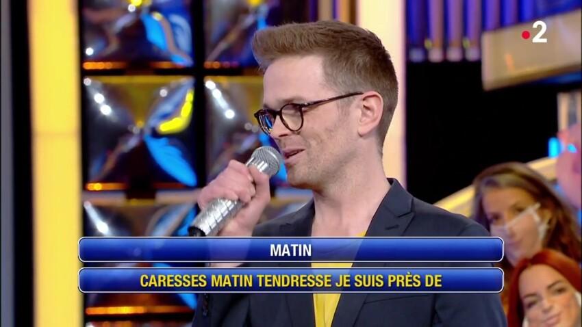 """""""N'oubliez pas les paroles"""" : Baptiste qualifié de """"balance"""" par les internautes"""