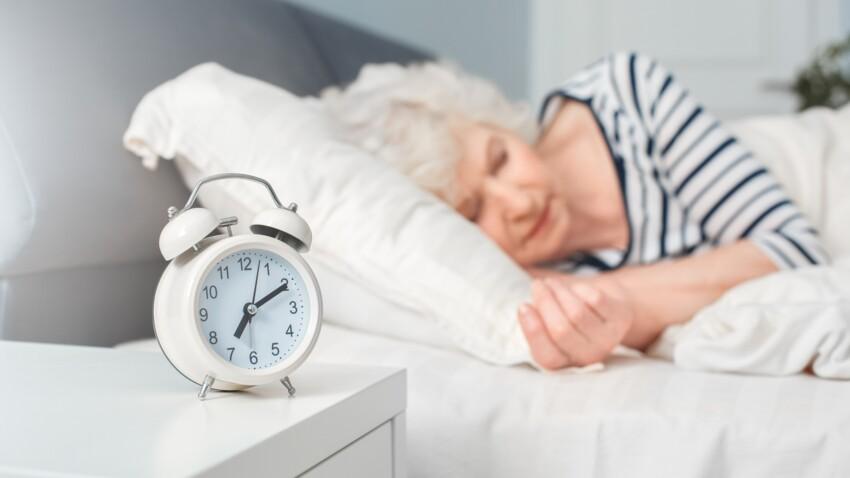 Pourquoi il faut absolument dormir au minimum 6 heures par nuit après 50 ans