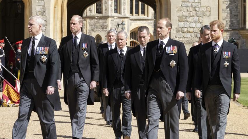 """Mort du Prince Philip : un proche se confie sur ses """"étranges"""" funérailles"""