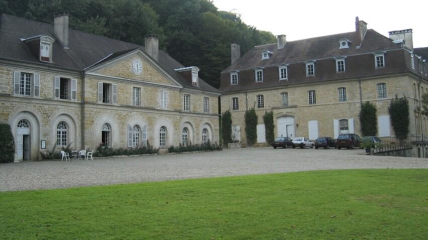 Zoom sur le château d'Arlay dans le Jura