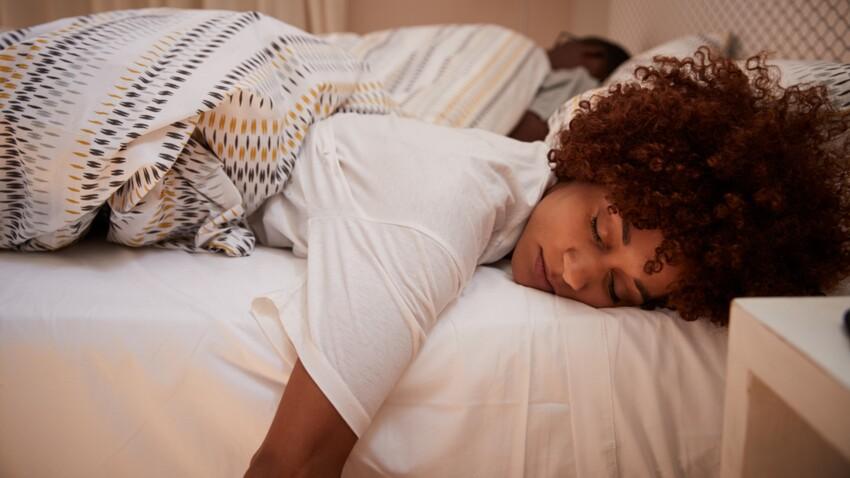 Dormir sur le ventre : bonne ou mauvaise idée ?