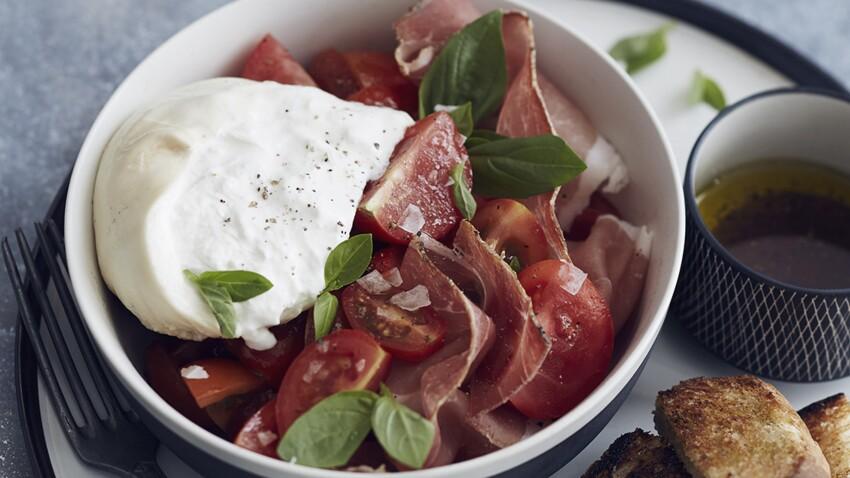 Salade de tomates, burrata et jambon cru