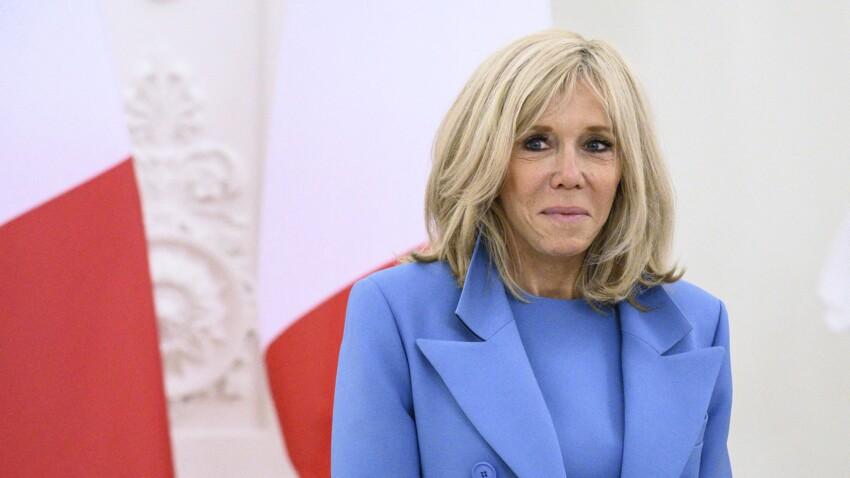 Brigitte Macron, seule, en pleine promenade à Paris : une drôle de vidéo dévoilée