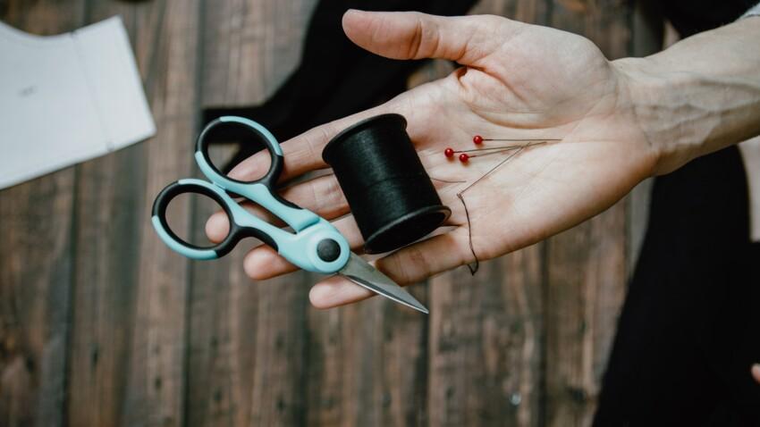 Aiguille à coudre, dé, machine : 8 outils à avoir absolument pour se lancer en couture