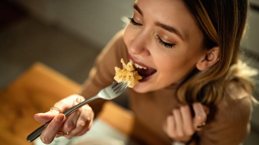 À quelle heure faut-il dîner pour perdre du poids sans effort ? Une étude répond