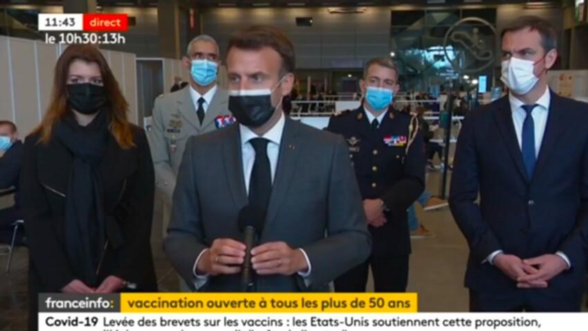 VIDEO - Emmanuel Macron : le président explique pourquoi il va attendre au maximum avant de se faire vacciner