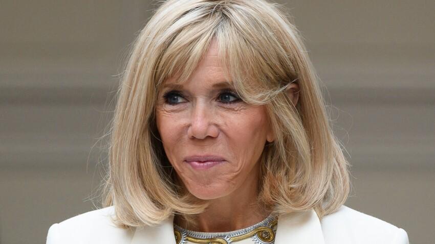 Brigitte Macron : cet accessoire indispensable qu'elle assortit toujours à ses tenues