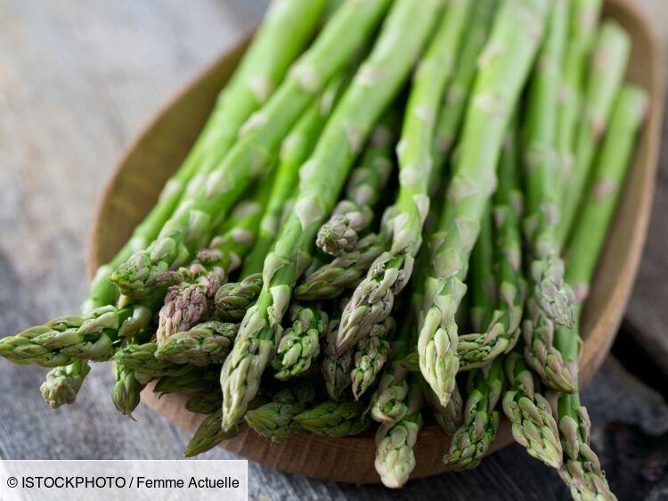 La délicieuse recette de terrine aux asperges blanches et vertes de Cyril Lignac