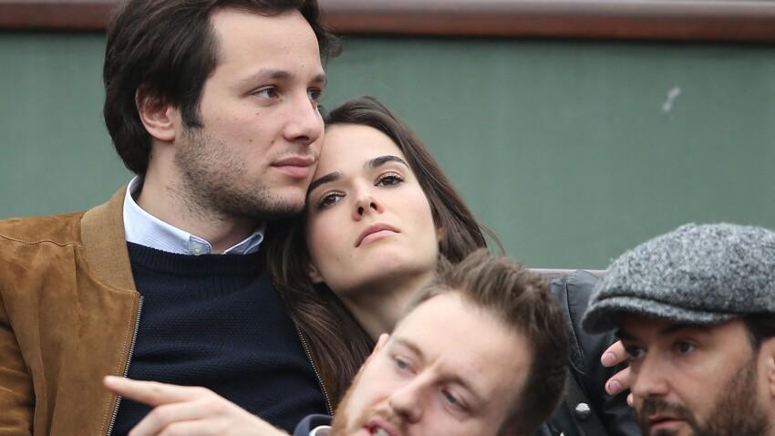 """PHOTOS - Vianney : sa compagne Catherine Robert est passée totalement inaperçue sur le plateau de """"The Voice"""""""