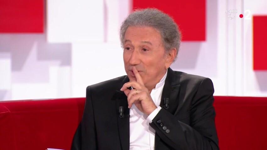 """""""Vivement dimanche"""" : cette blague potache de Michel Drucker sur les chroniqueuses de """"Télématin"""""""