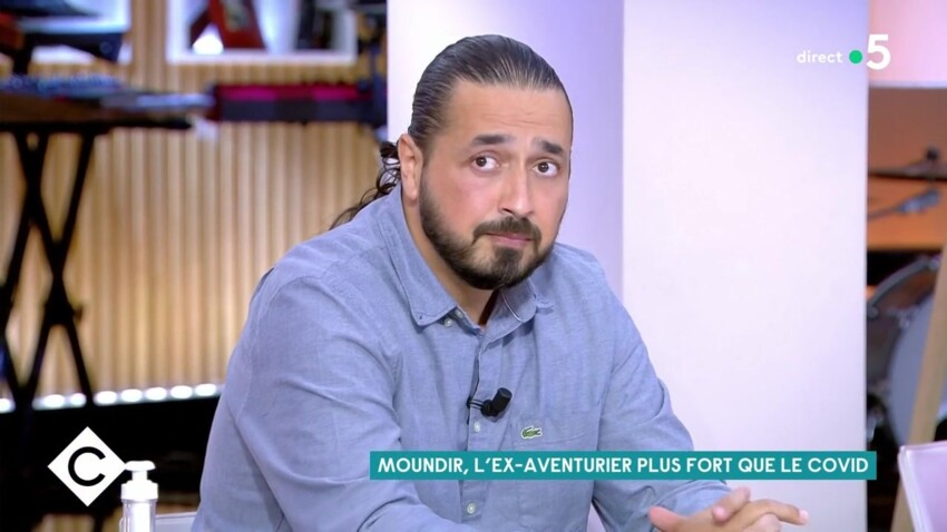 Moundir raconte avoir senti la présence de son père décédé à l'hôpital