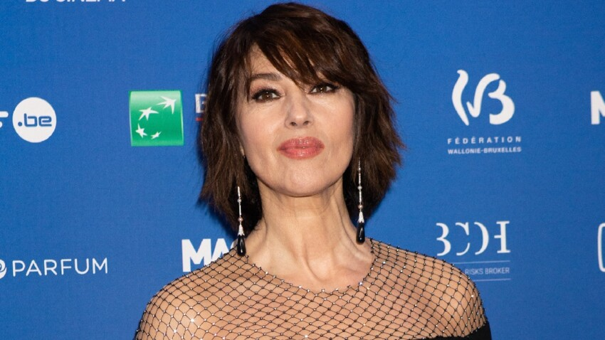 Monica Bellucci sexy : body, décolleté bombé et jambes dévoilées
