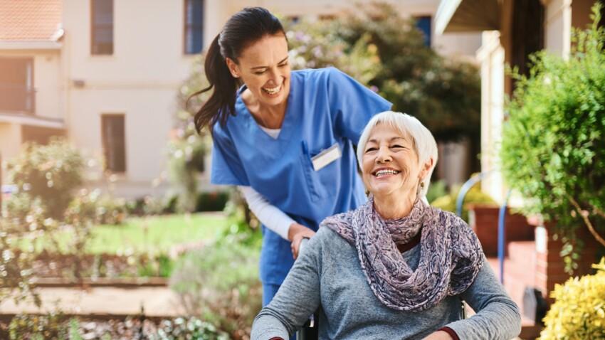 Maison de retraite : comment bien la choisir pour son parent âgé