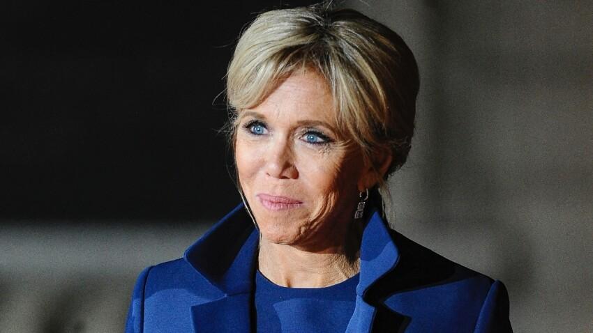 Brigitte Macron stylée en gros talons et robe qui change (toujours canon !)