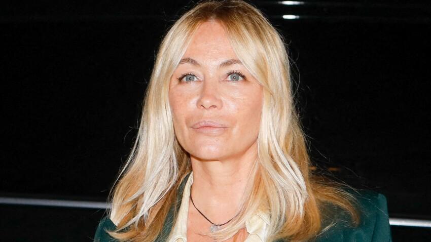 Emmanuelle Béart : son look très tendance en Sézane et Polène nous fait craquer