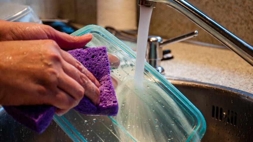 L'astuce miracle pour faire disparaître les taches de sauce dans les récipients en plastique