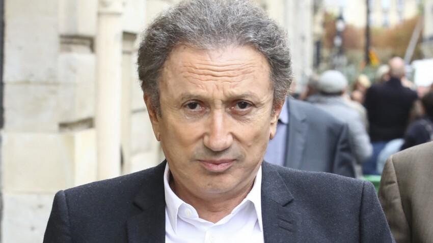 """Michel Drucker : la décision radicale de l'animateur pour la prochaine saison de """"Vivement dimanche"""""""