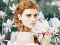Tresses cheveux : la flower braid fait fureur sur les réseaux sociaux
